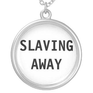 Halsband som bort slavar