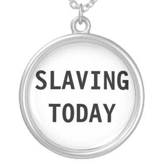 Halsband som i dag slavar