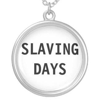 Halsband som slavar dagar