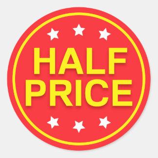 Halva prisa röda och gula återförsäljnings- runt klistermärke