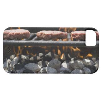 Hamburgare som lagar mat på, grillar iPhone 5 Case-Mate fodraler