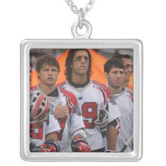 HAMILTON KANADA - AUGUSTI 06: Paul Rabil #99 2 Silverpläterat Halsband
