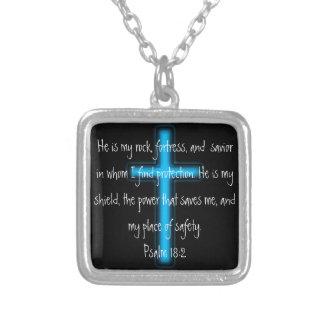 Han är min sten och skyddar Psalm18:2halsbandet Silverpläterat Halsband