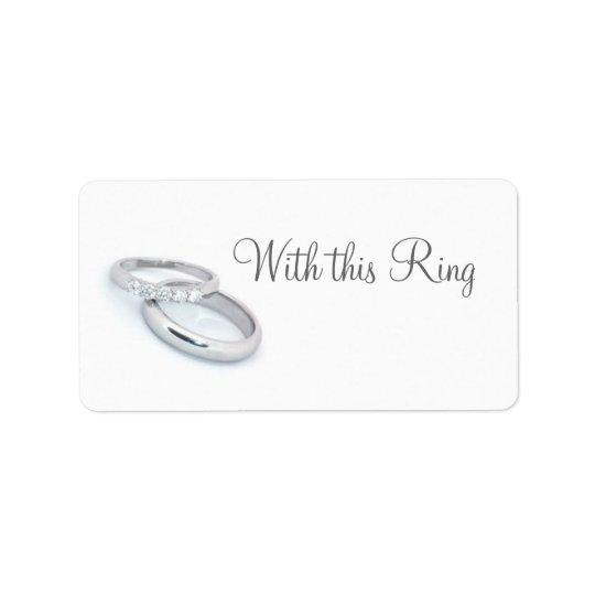 Han satte en ring på It/save datera Adressetikett