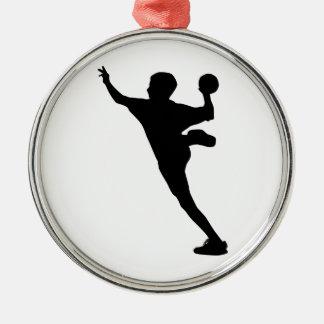 handbollspelare rund silverfärgad julgransprydnad