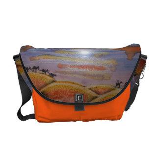 Hänga lös - budbärare med handpainted vattenfärg kurir väska