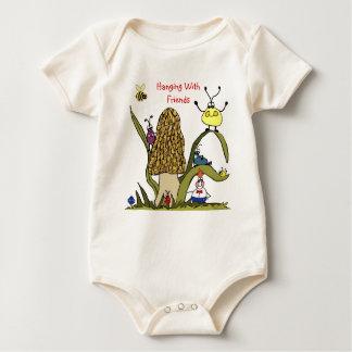 Hänga med vänspädbarnrankan sparkdräkt