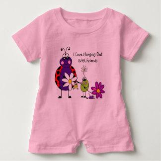 Hänga ut med vänbabyromperen t-shirt