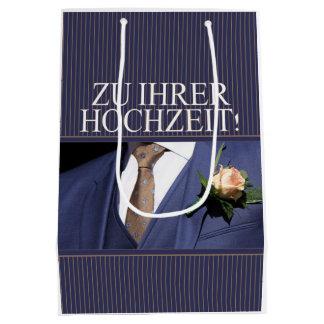 Hänger lös den gratulerara gåvan för tyskt bröllop