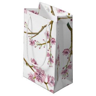 Hänger lös den små gåvan Sakura för den
