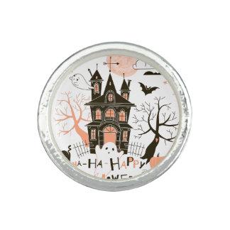 Happy halloween spökat hus ringar