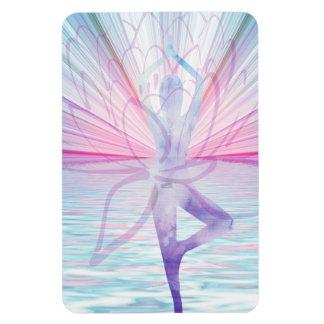 Härlig rosa- & blåttVrikshasana Yoga Magnet