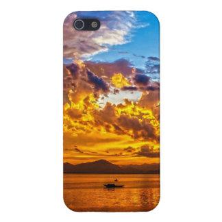Härlig solnedgång över sjön med fartyget iPhone 5 fodraler