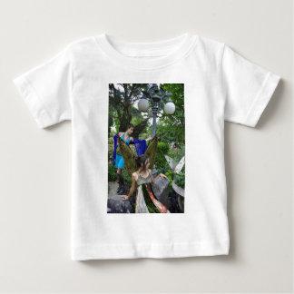 Härlig trädgårds- älvorspädbarnskjorta t shirt