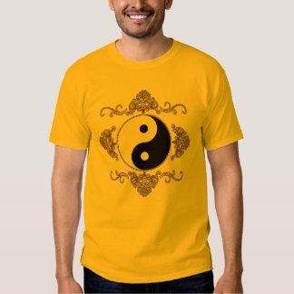 Härlig Yin Yang design i svart och guld Tshirts