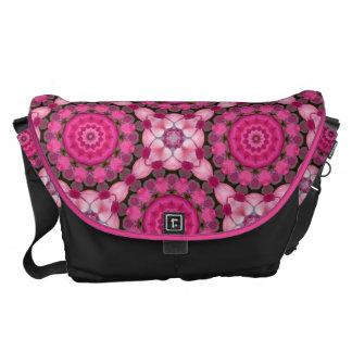 Härliga rosa blommar, naturMandala Kurir Väska