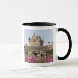 Härliga trädgårdar och berömdt slott i Skottland 2 Mugg