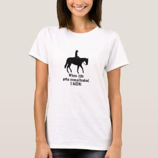 Häst, när liv får den invecklade skjortan tröja