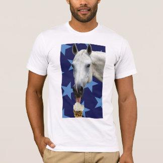Häst som äter glassT-tröja Tröjor