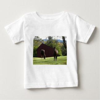 Hästar i fält tee shirt