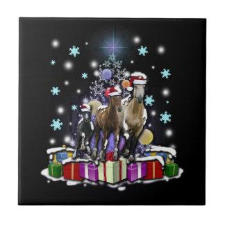 Hästar med julstilar kakelplatta