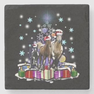 Hästar med julstilar underlägg sten