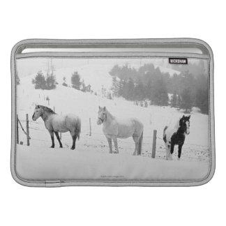 Hästar på ranch MacBook sleeve