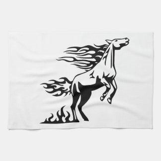 Hästen flammar in kökshandduk