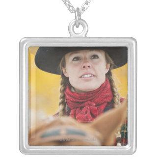 Hästryggryttare 5 silverpläterat halsband