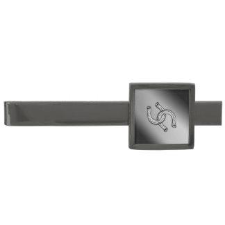 Hästskor på silverlutning stålgrå pläterad slipsnål