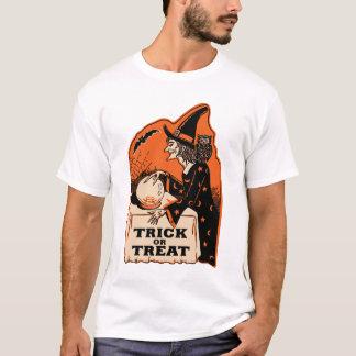 Häxa för vintageHalloween bus eller godis Tshirts