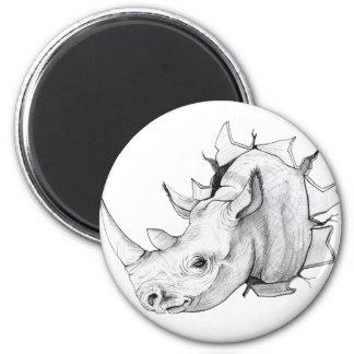 Head avbrott för noshörning till och med väggen magnet