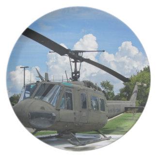 Helikopter för vintageVietnam Uh-1 Huey militär Tallrik