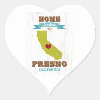 Hem- Fresno Kalifornien karta - är var hjärtan är Hjärtformat Klistermärke