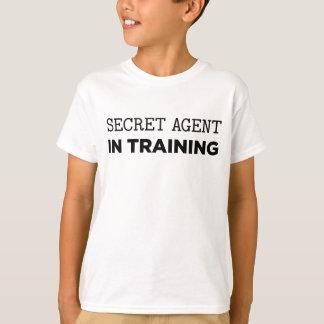 Hemlig agent i utbildning tshirts