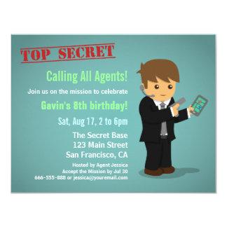 Hemlig agentfödelsedagsfest för pojke 10,8 x 14 cm inbjudningskort