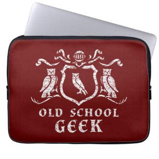 Heraldisk laptop sleeve 13 för ugglaGeekNeoprene