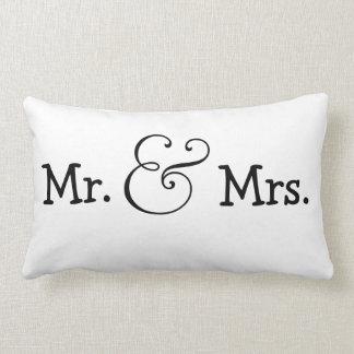 Herr och Fru brud- och brudgumbröllopgåva Lumbarkudde