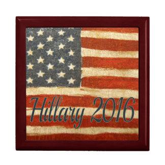 Hillary vintage   flagga 2016 square.jpg smyckeskrin