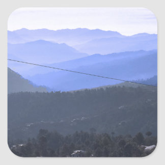 Himalaya bergskedjor beskådar från Almora Indien Fyrkantigt Klistermärke