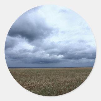 Himmel här kommer regna runt klistermärke