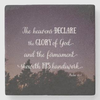 Himmlarna förklarar härligheten av guden underlägg sten