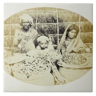 Hinduiska grönsak- och fruktsäljare i Madras, 19th Kakelplatta