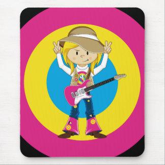 Hippieflicka med gitarren musmatta