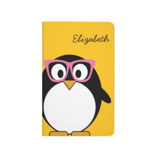 Hipsterpingvin - gullig tecknadgultrosa anteckningsbok