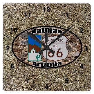 Historisk ~ Oatman, Arizona för rutt 66 Fyrkantig Klocka