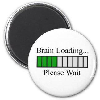 Hjärna som laddar puben magnet rund 5.7 cm