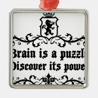 Hjärnan är a-pussel upptäcker att dess driver julgransprydnad metall