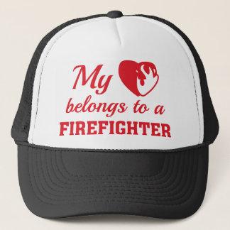 Hjärta hör hemma brandman truckerkeps