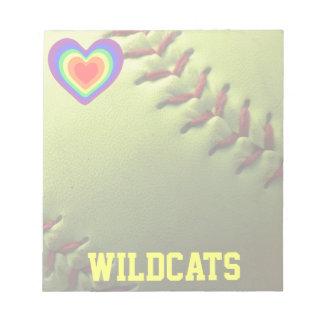 Hjärta och namn för softballprideregnbåge anteckningsblock